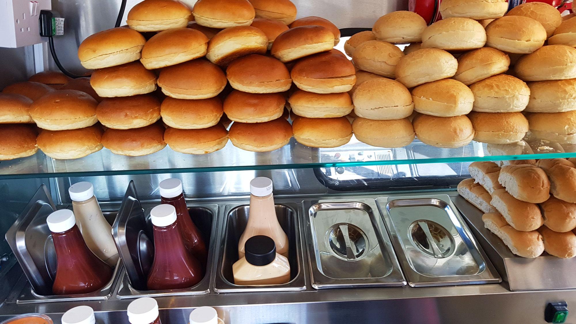Buffet_bread_insidetruck_WR
